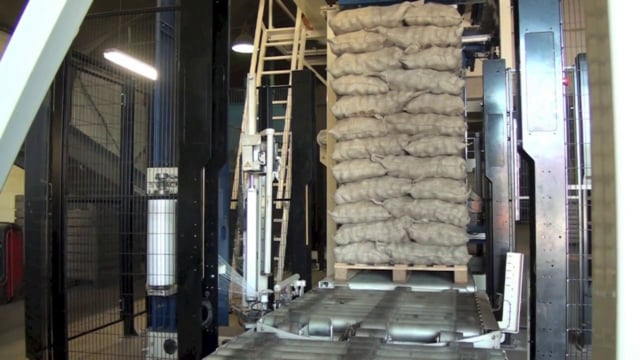 1303 Potatoes 25kg - Jute bags - SYMACH Palletizers