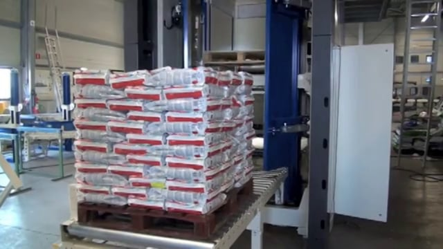 5009 Petfood horizontal infeed 10kg - SYMACH Palletizers